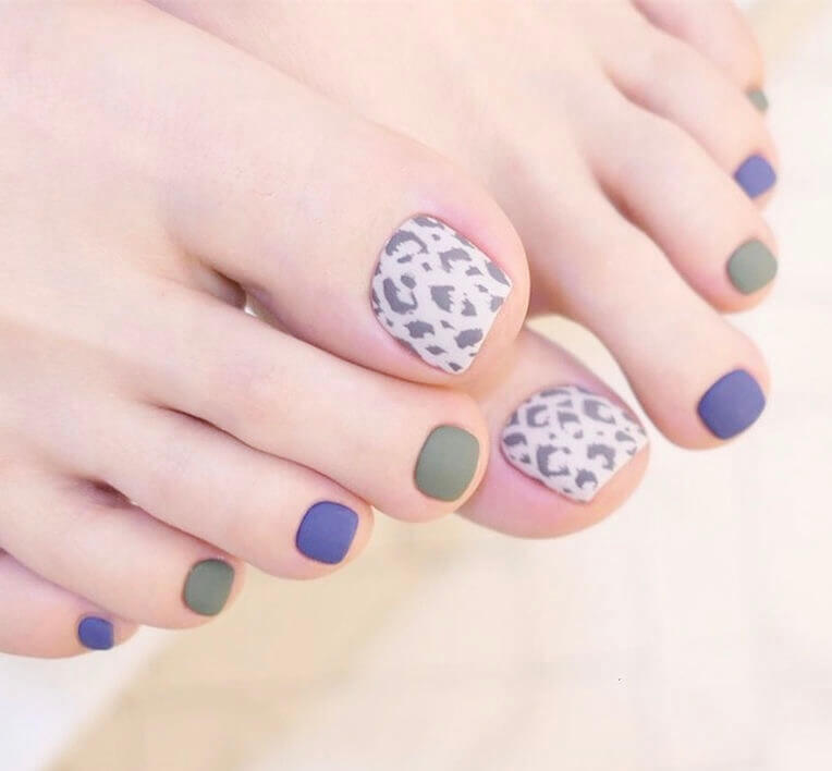 Are you looking for pretty toe nail design in summer? Look here, check these 26 popular toe nail ideas, you can get inspiration and get your own design