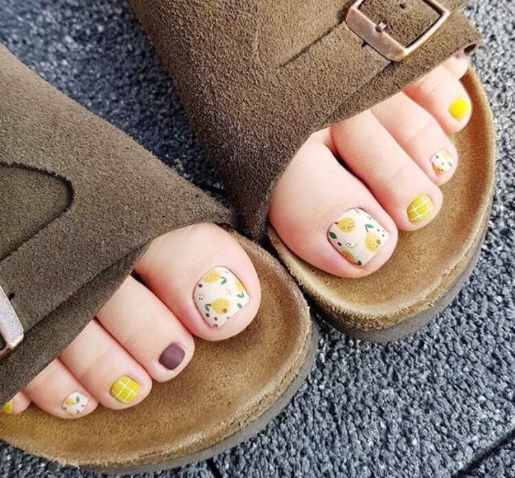 Pretty Toe Nail Design Ideas for Summer