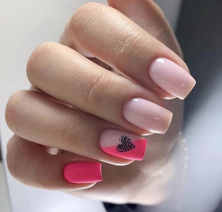 Matte pink and gel nude short creative nails