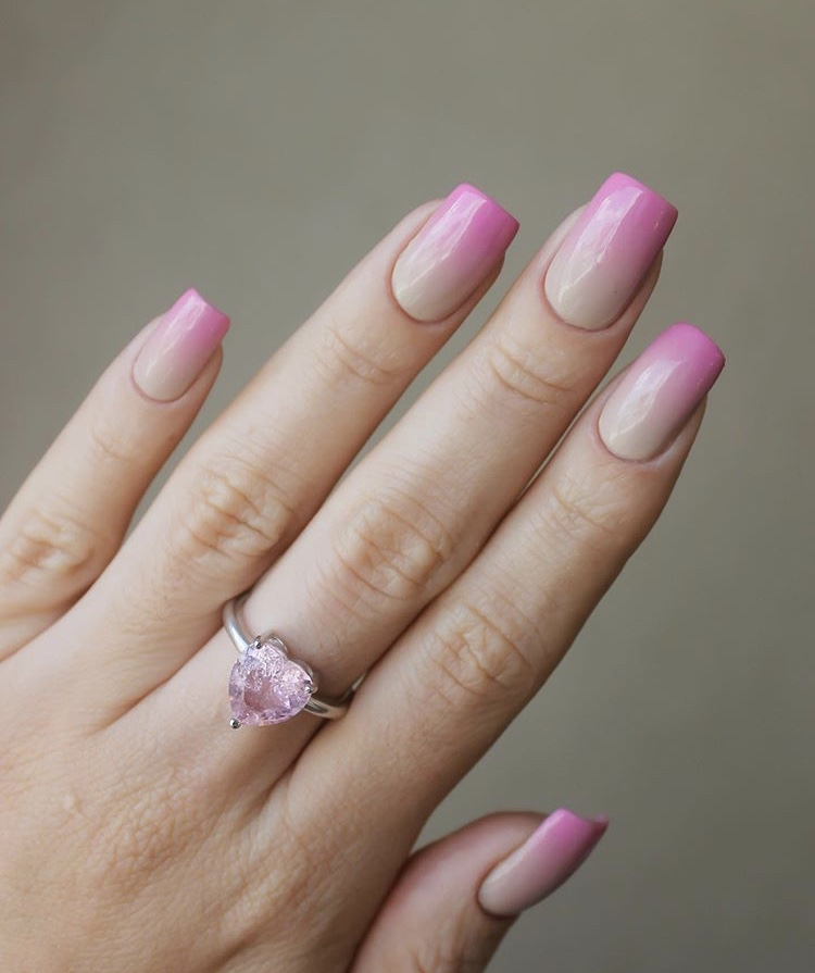 Pink and milk tea color ombre short nails