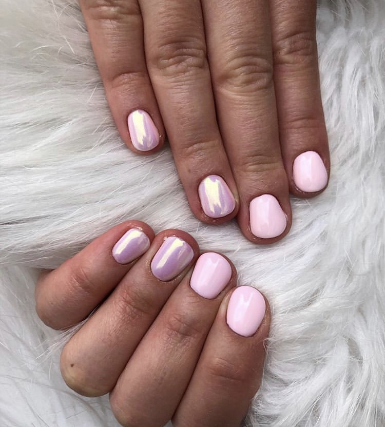 Short Chrome Pink Nails