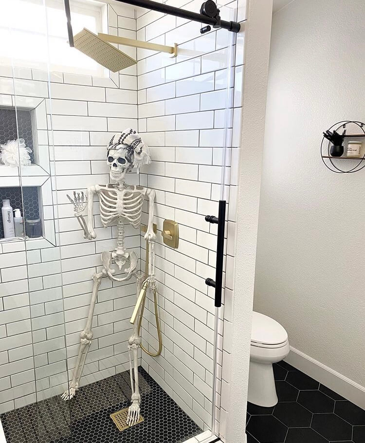 Halloween bathroom decoration ideas