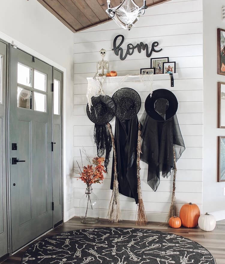 Halloween foyer decoration ideas
