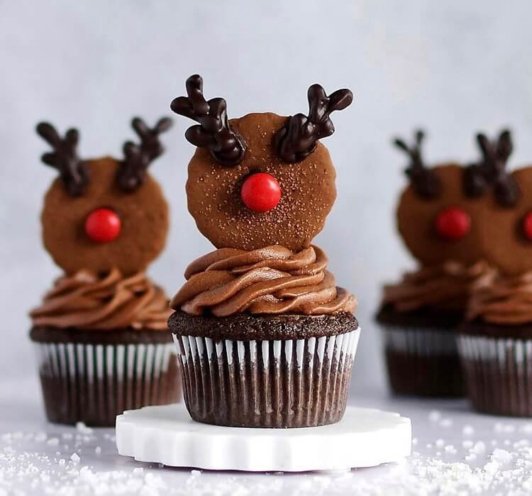 Have the cookies and cakes been baked? But you still want to make something to get the best holiday atmosphere, so Christmas cupcakes are definitely one of the most worth trying desserts.#Christmas