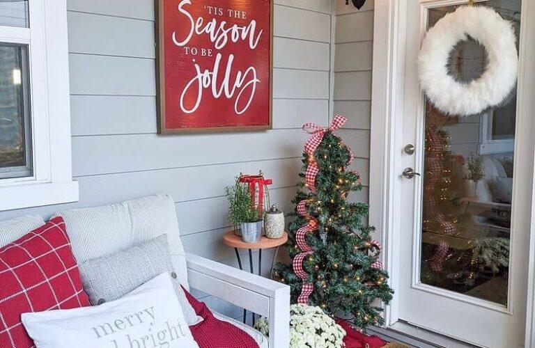 16+ Gorgeous Christmas Porch Simple Decorating Ideas