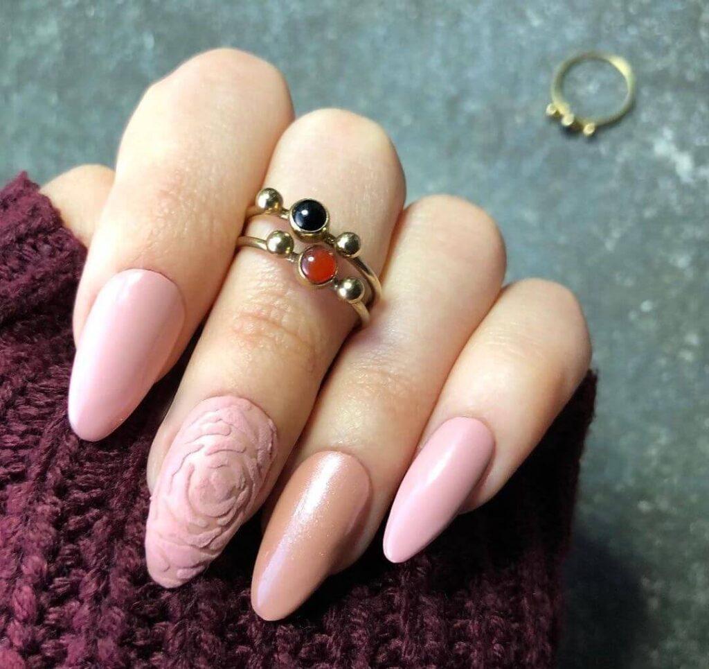 Rose almond nail
