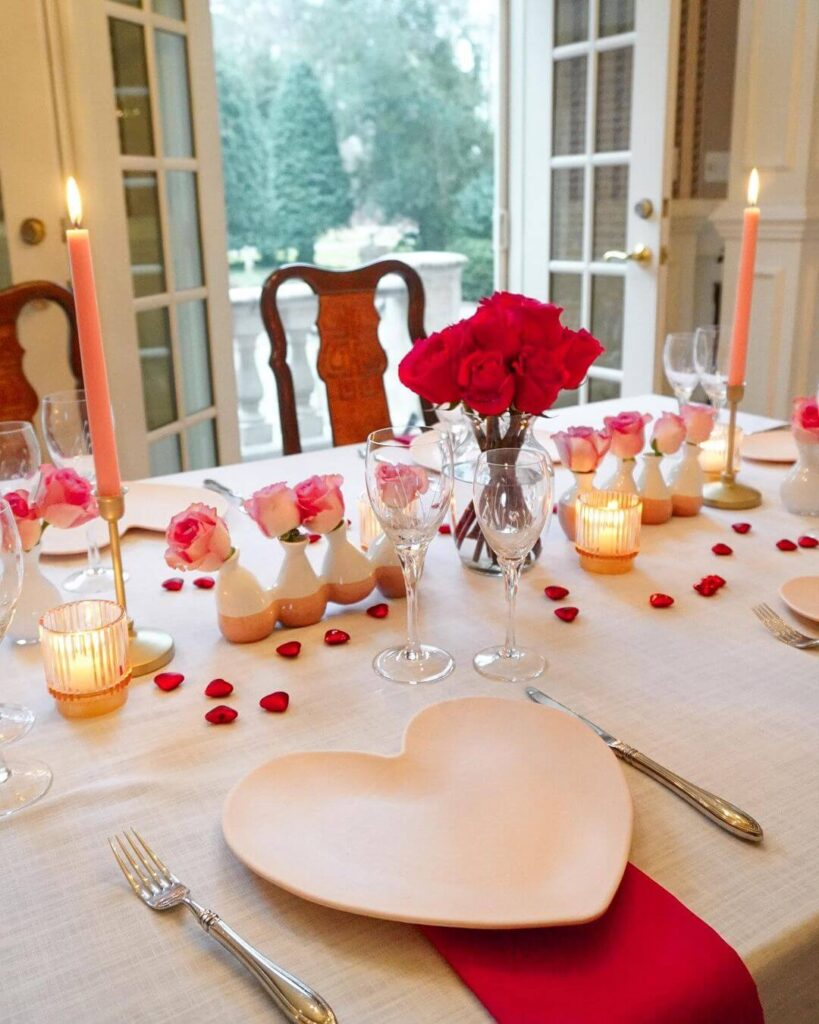 Valentine's day dinner table decor