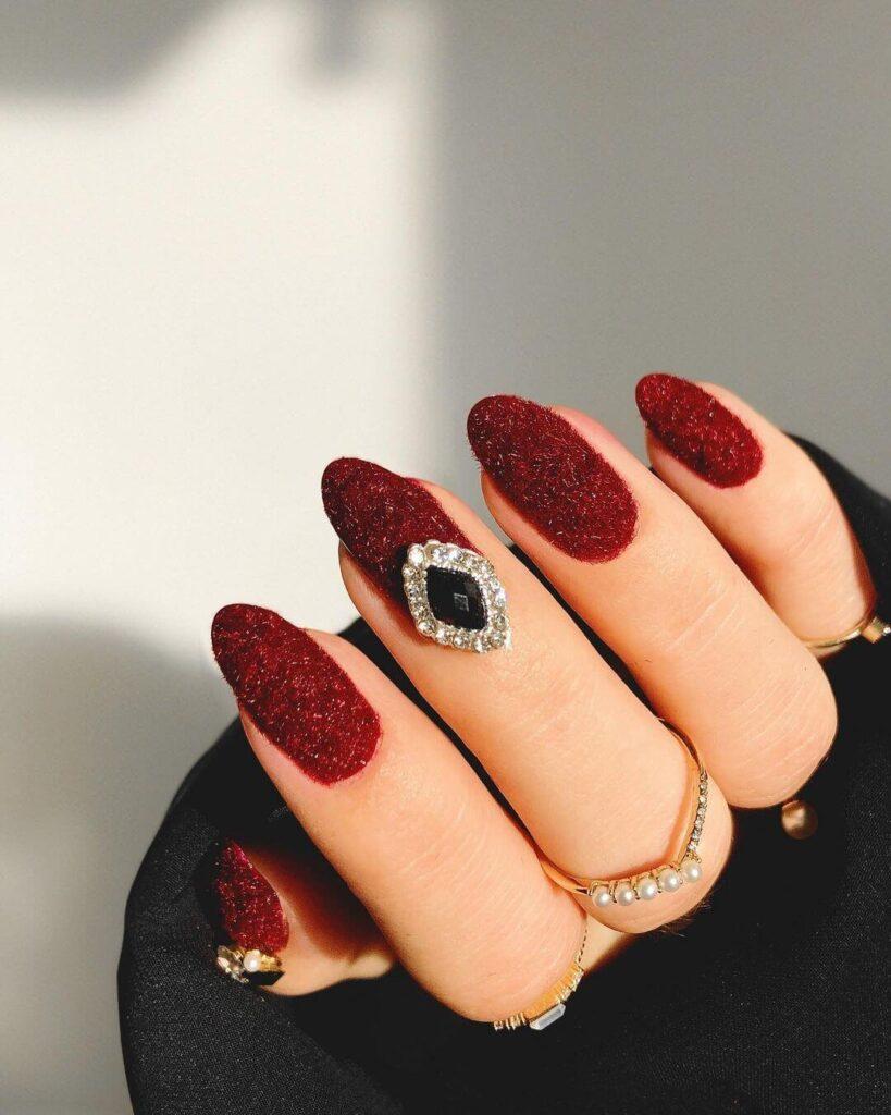 Luxurious velvet Valentine's Day nails