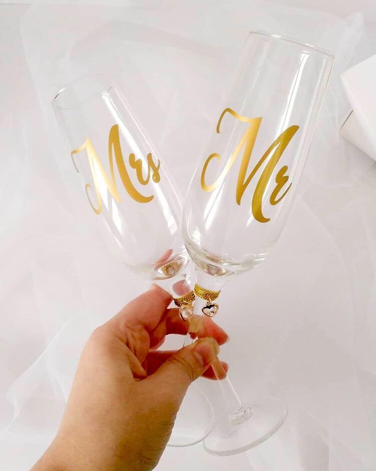 mr and mrs wedding glasses