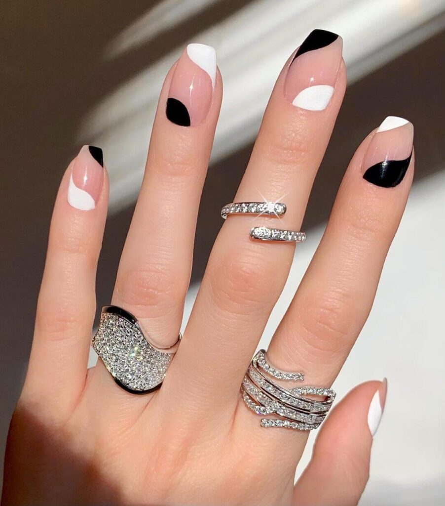 Black and white French nail