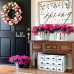 Bright entryway decoration