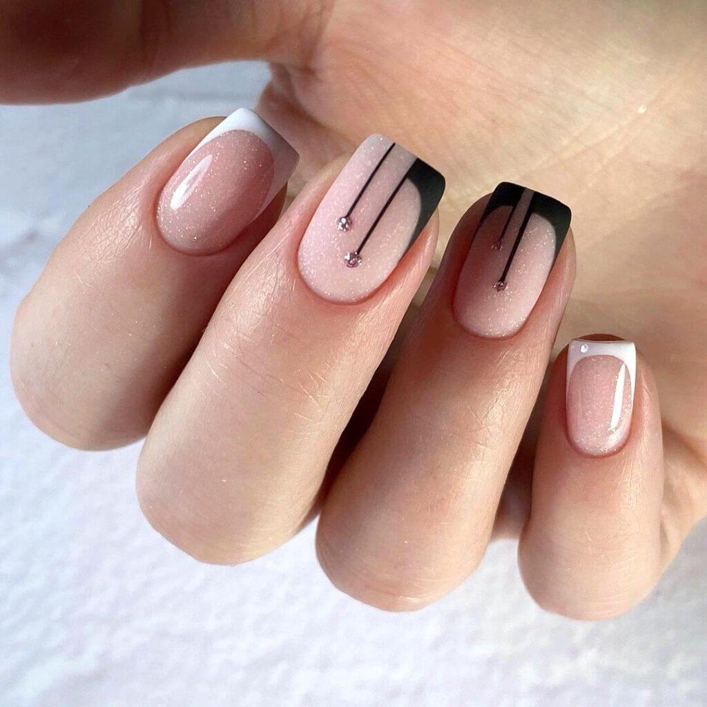 Creative short French nail