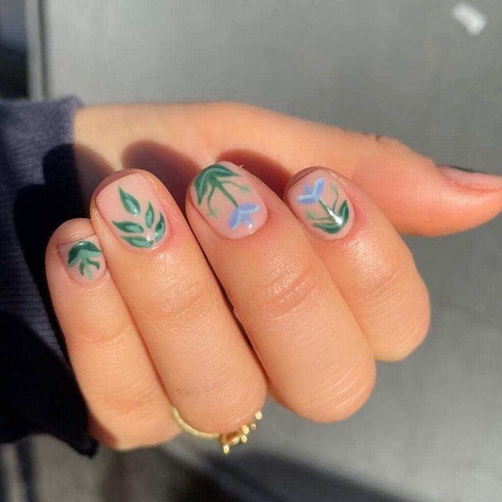 Interesting short flower nails