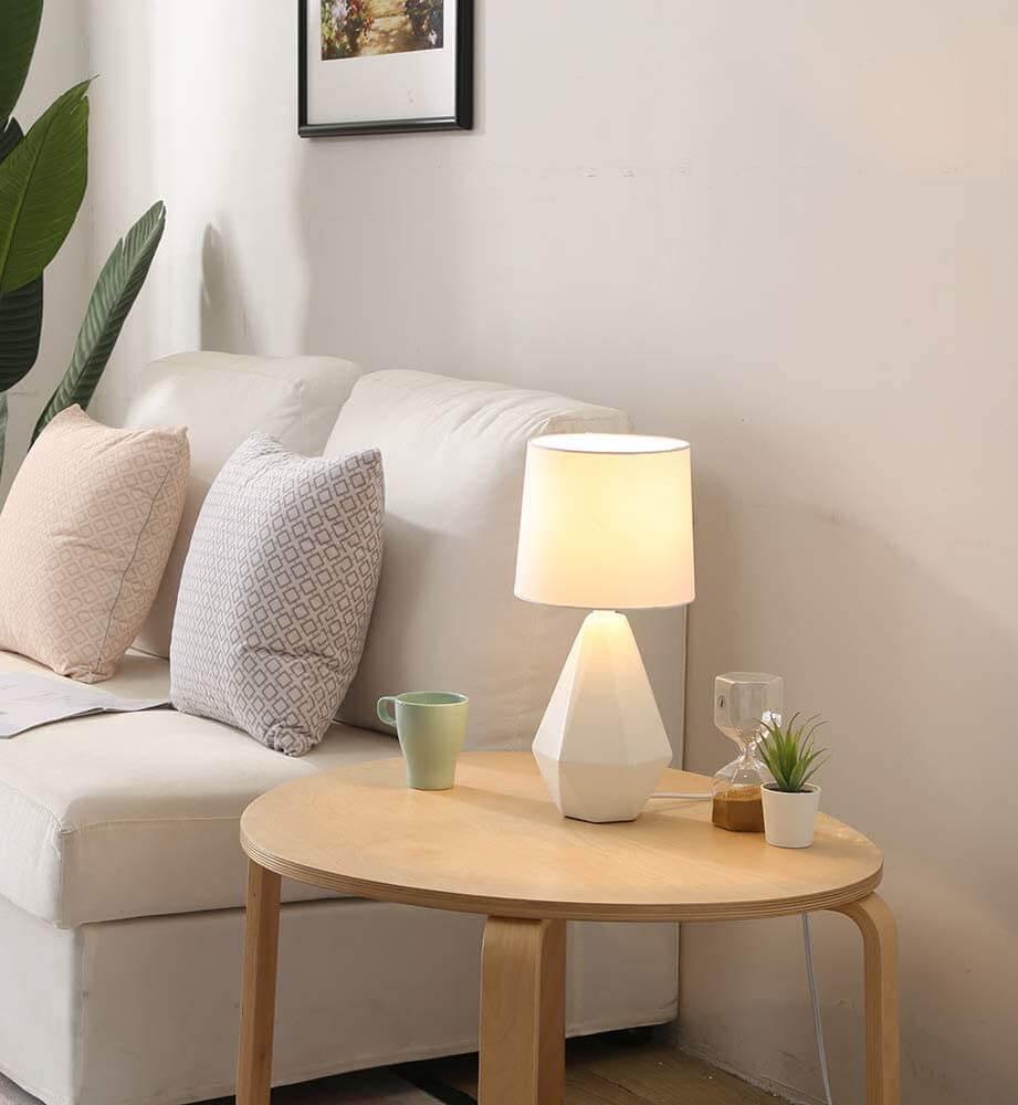 Geometric small ceramic table lamp