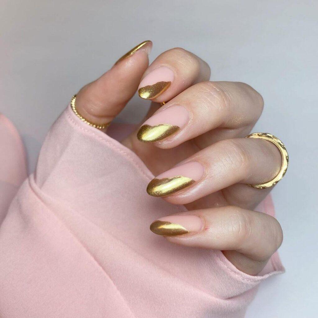 Striking French nail