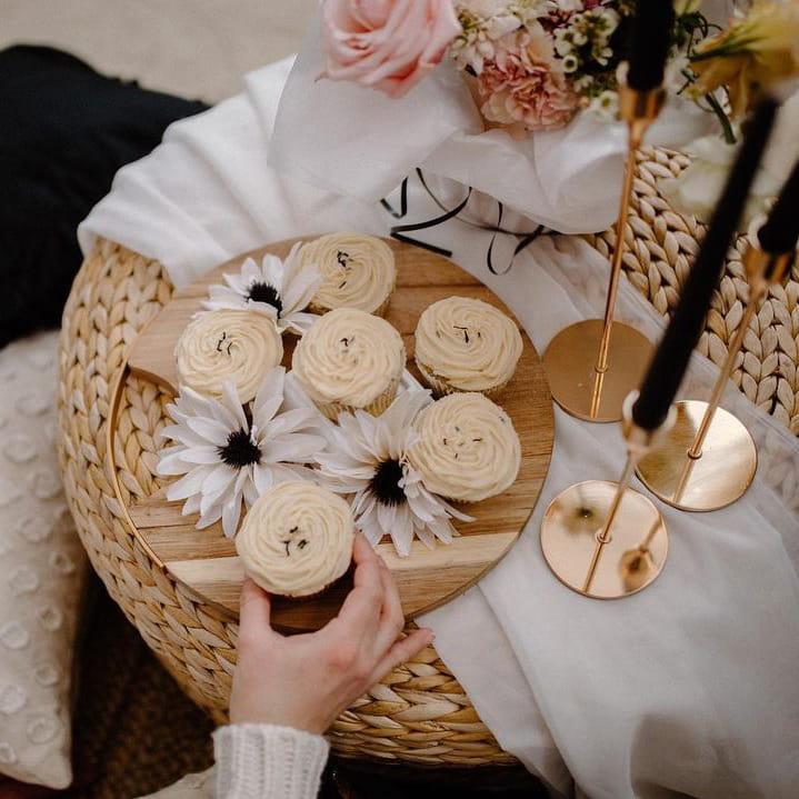 Dessert decoration