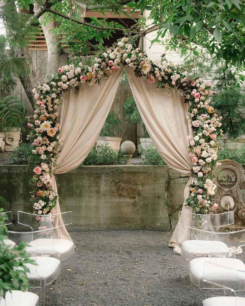 Elegant arch