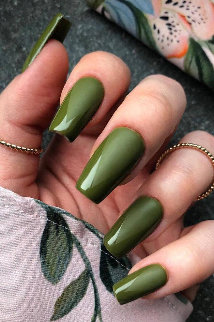 Classic green nails