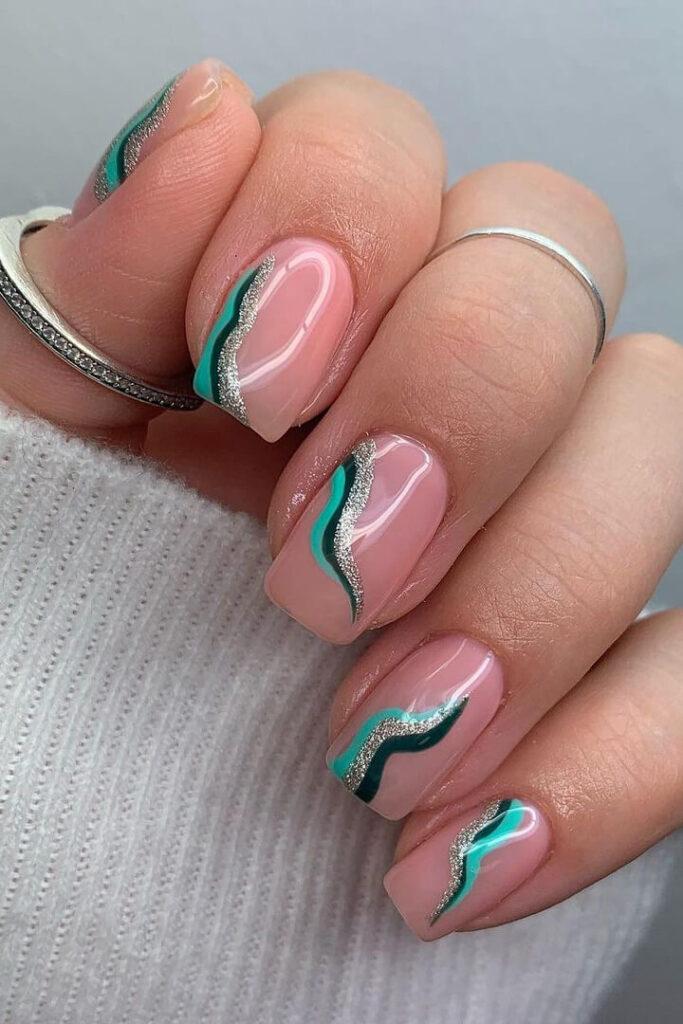Minimal swirl green nails