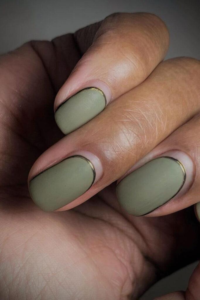 Minimalist green nails