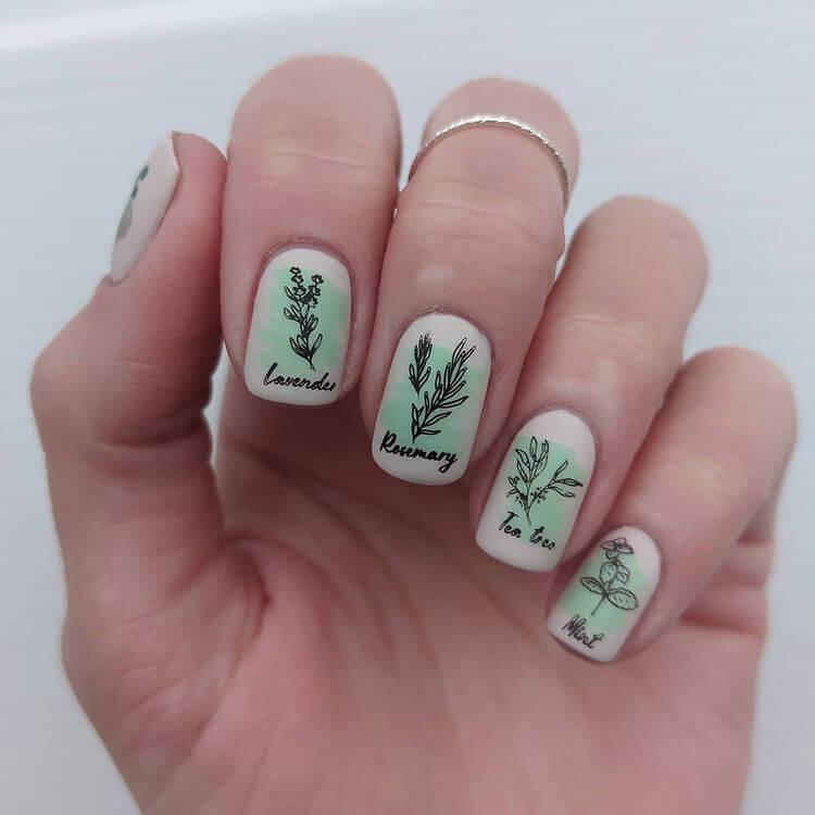 Short green nails