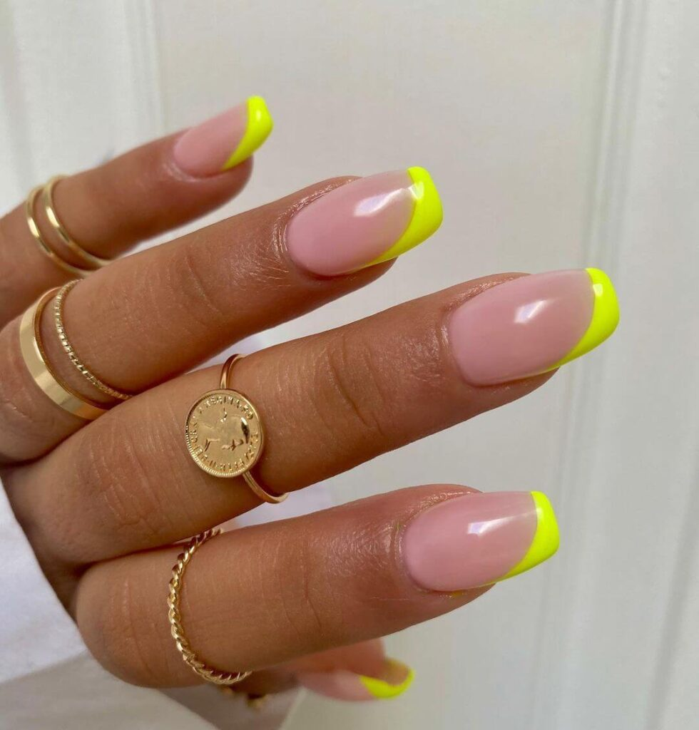 Lemon yellow square nails