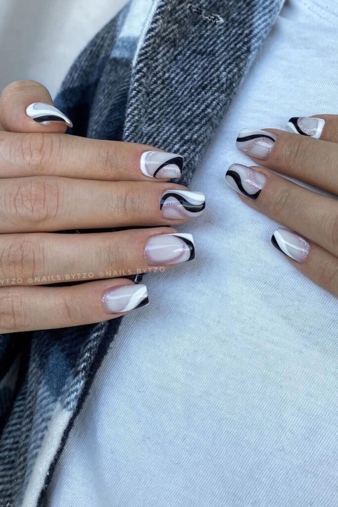 Black and white abstract square nails