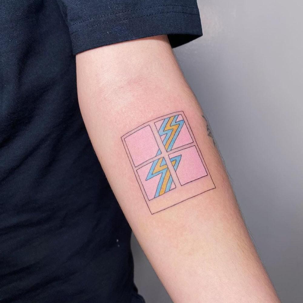 Unique style line tattoo