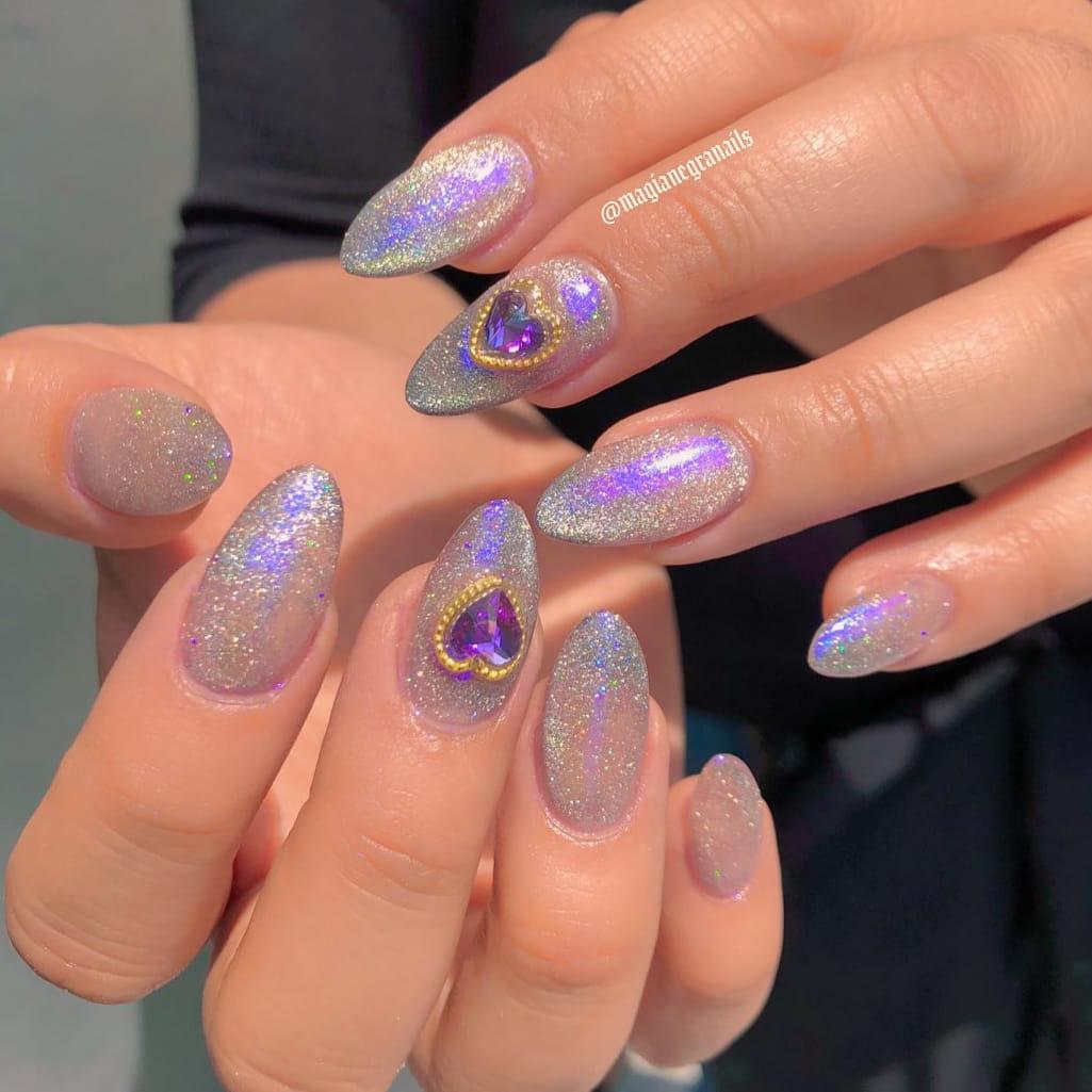 Sparkling summer nails