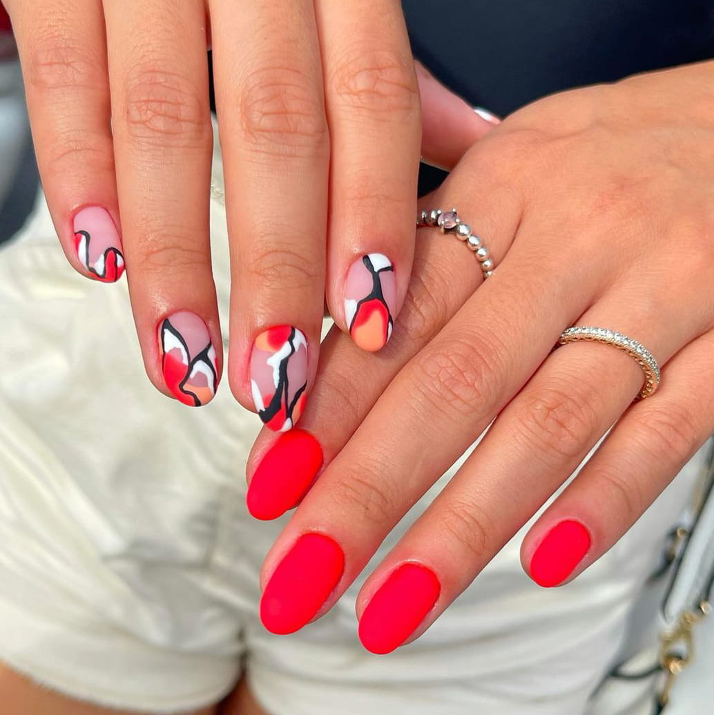 Passionate summer nails