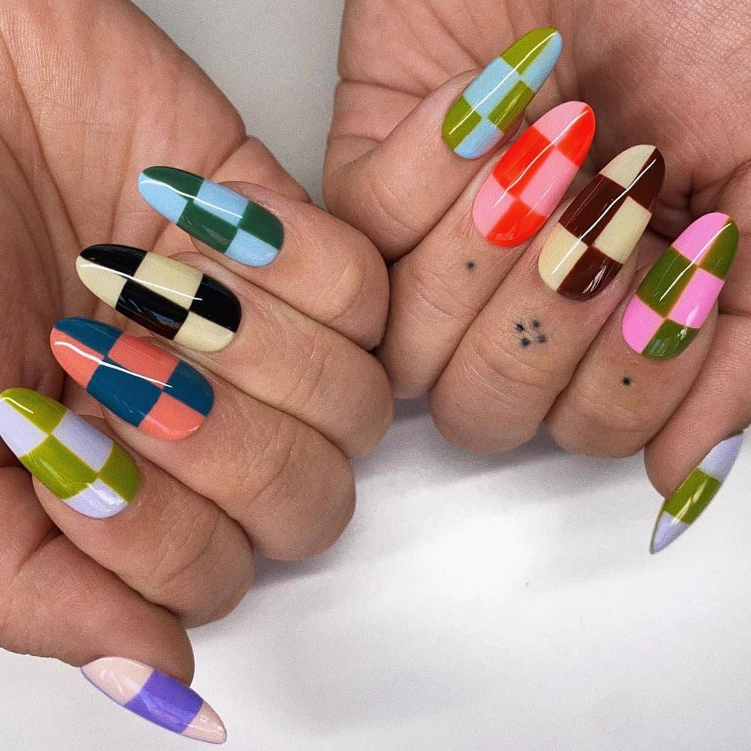 Plaid summer nails