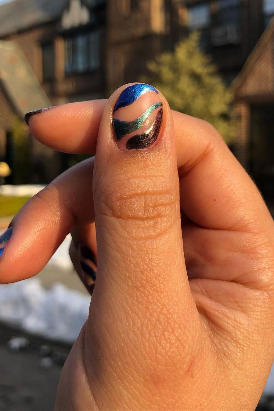 Chrome Negative Space Short Nails