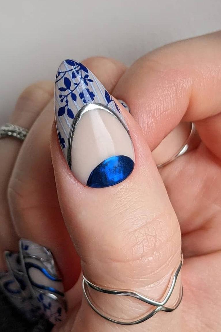 Gorgeous chrome nails
