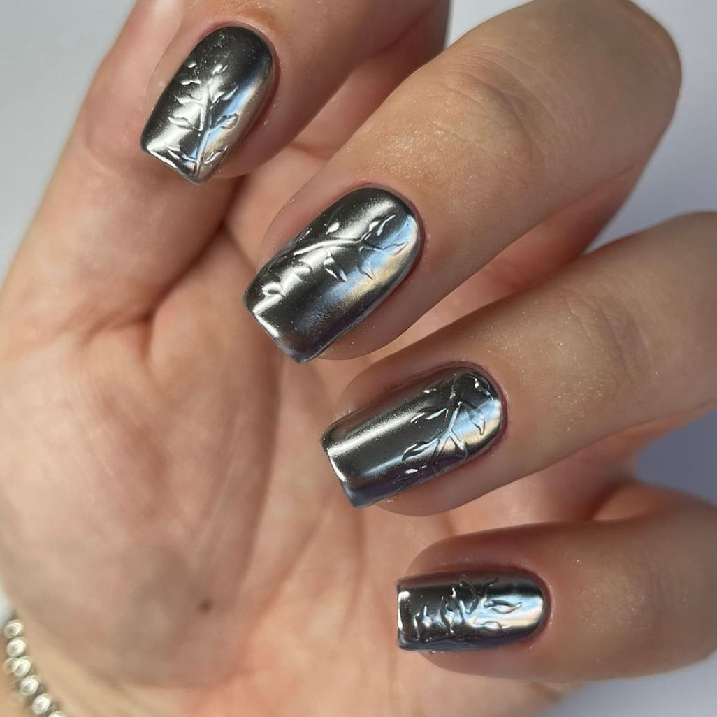 Silver chrome nails