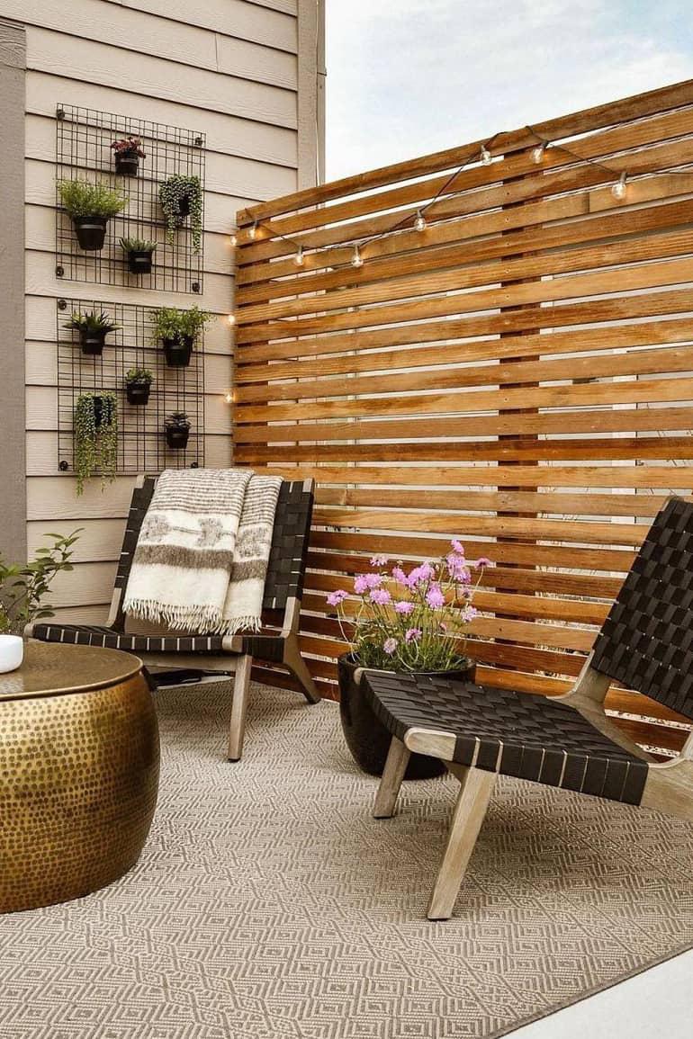 Grid plant wall