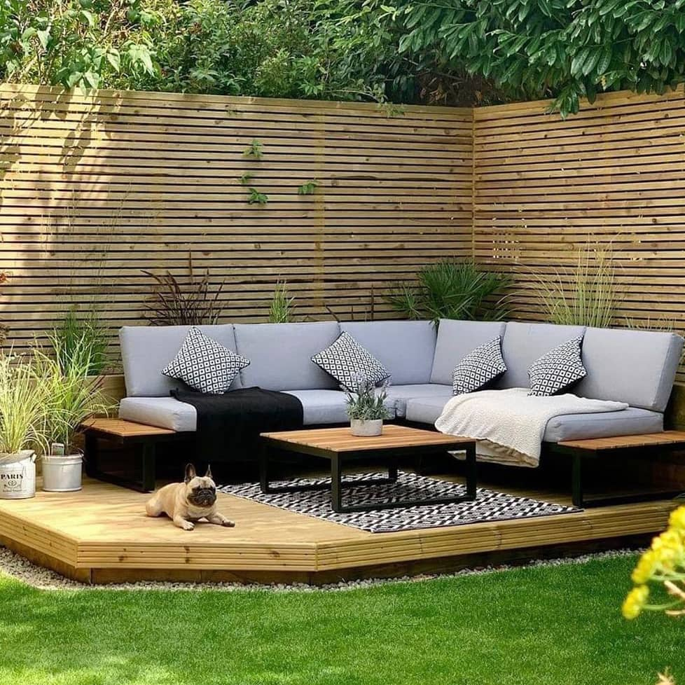 Deck backyard living room