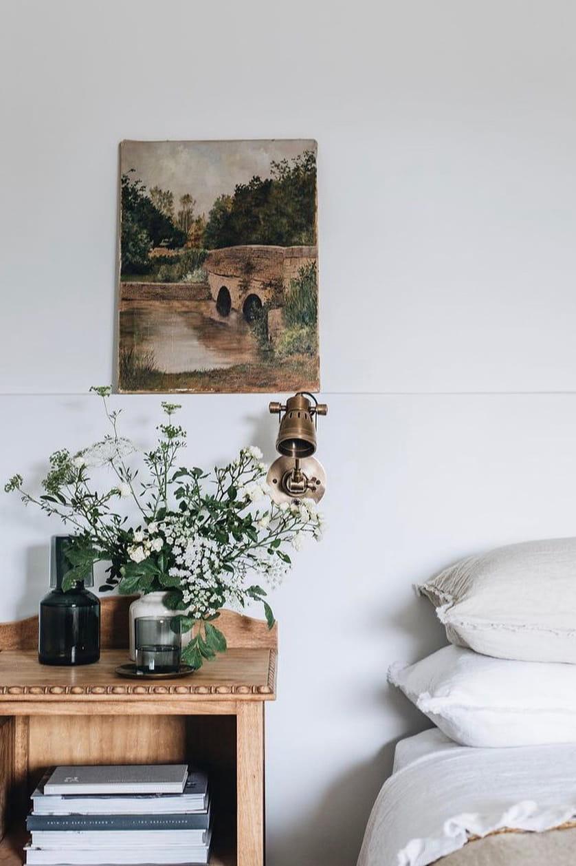 Simple rustic bedroom decor