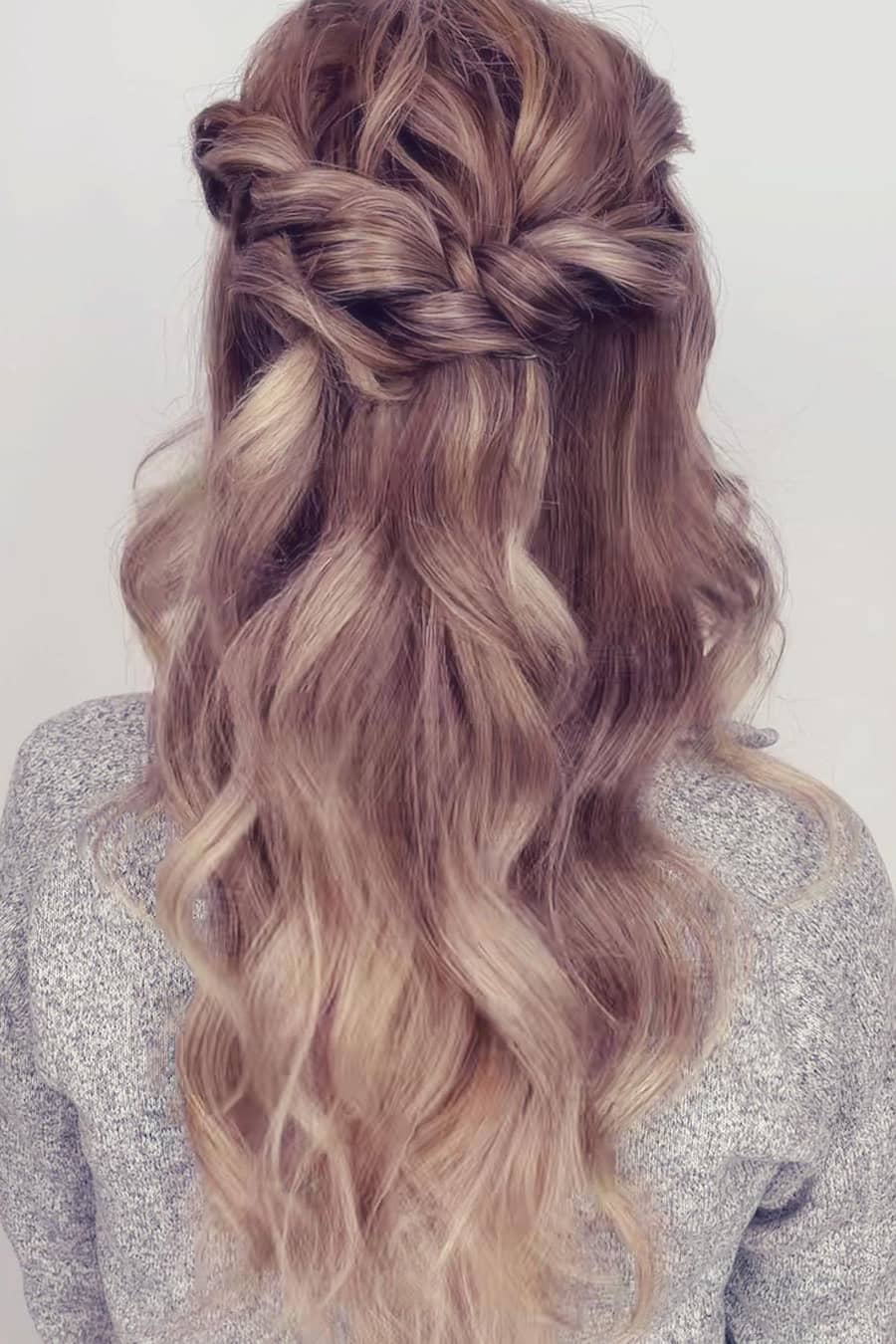 Beige gold summer hair color