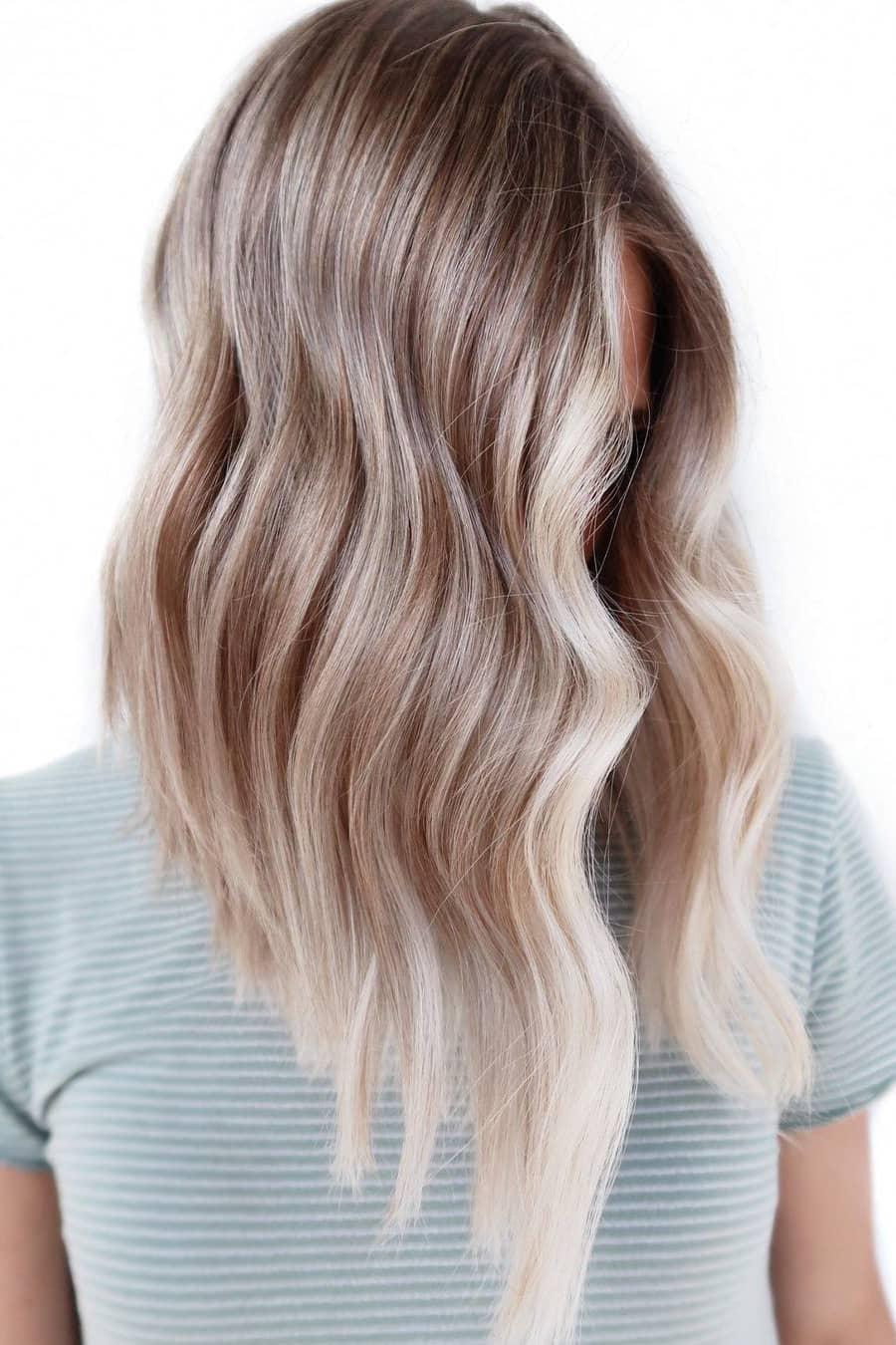 High-gloss brown summer hair color