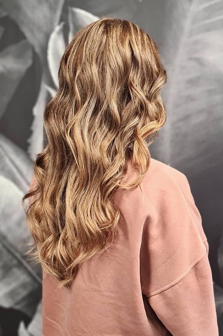 Honey blonde summer hair color