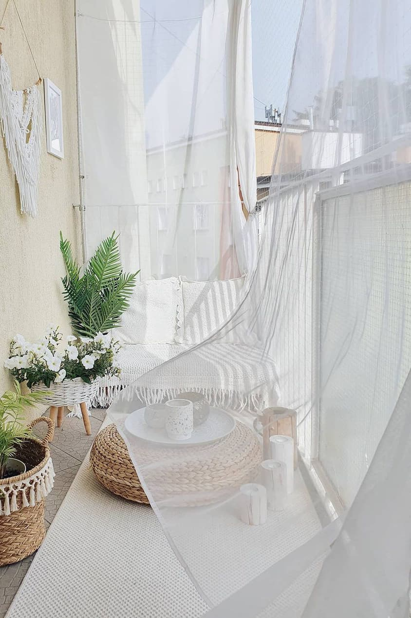 Casual and comfortable small balcony