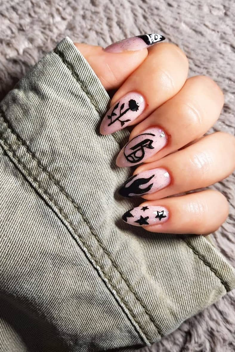 Fashionable rose nails