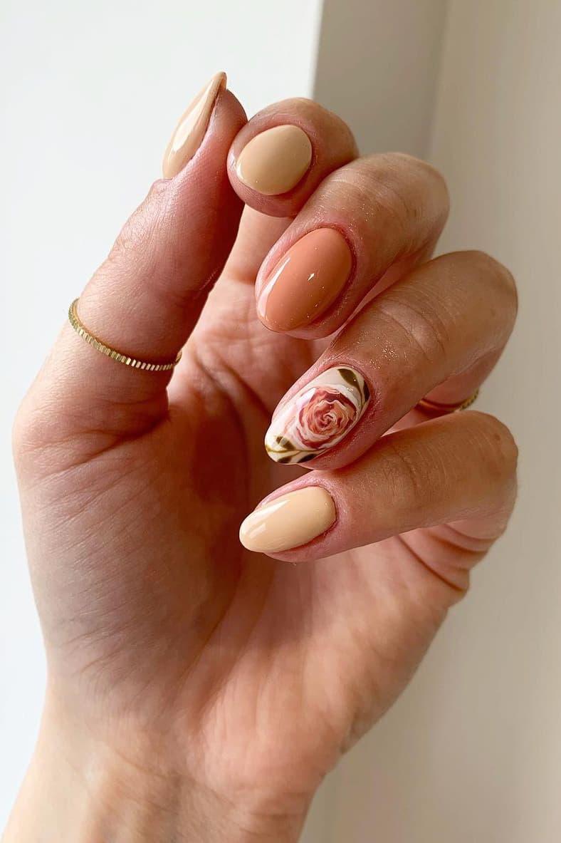 Elegant rose nails