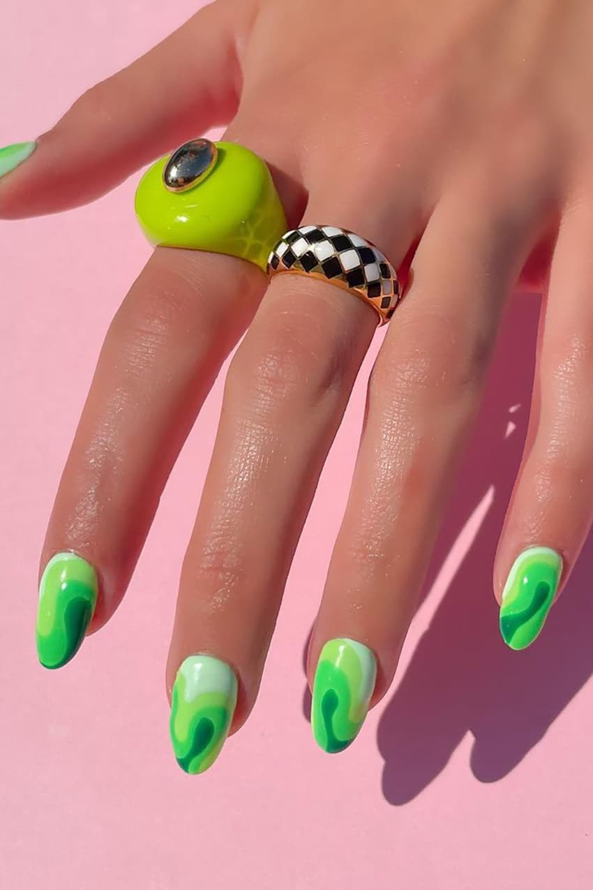 Green oval gradient nails