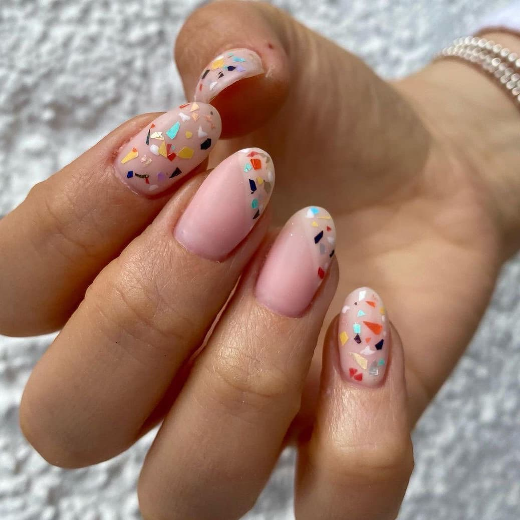 Joyful oval nails