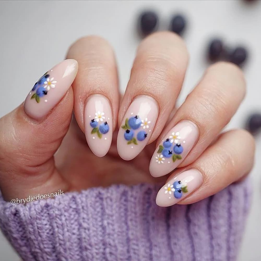 Nude oval blueberry nails