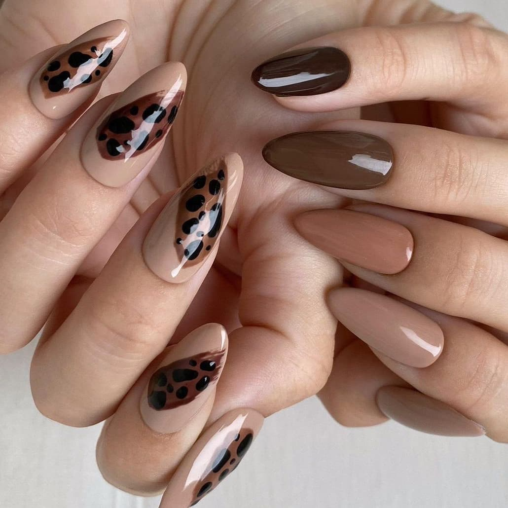 Animal print autumn nails