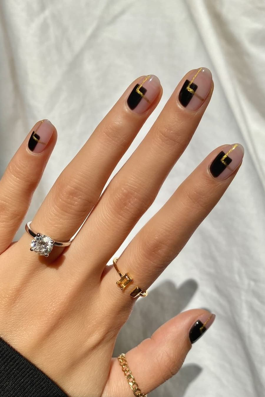 Black and gold autumn short nails