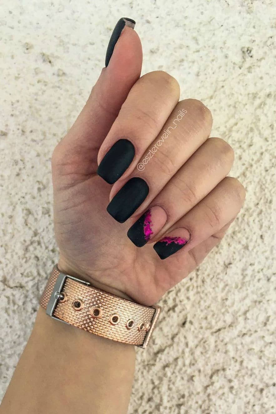 Black and pink autumn nails
