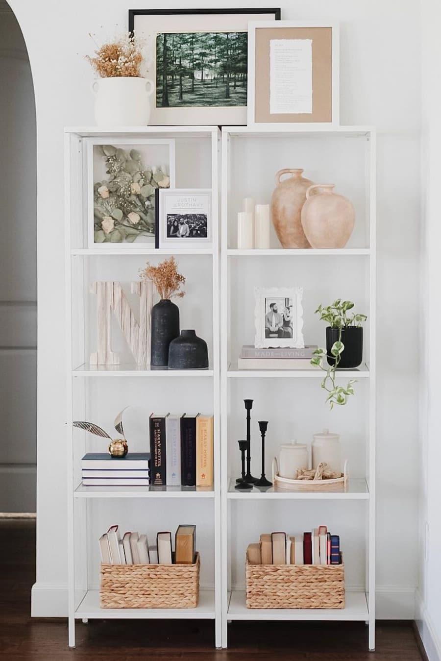 Fall corner shelf decor